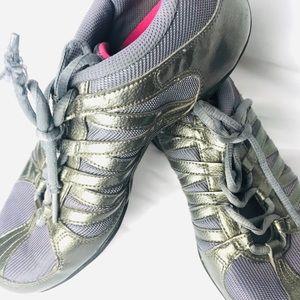 NIKE NE MARQUE gray lavender mesh aerobic shoe 7